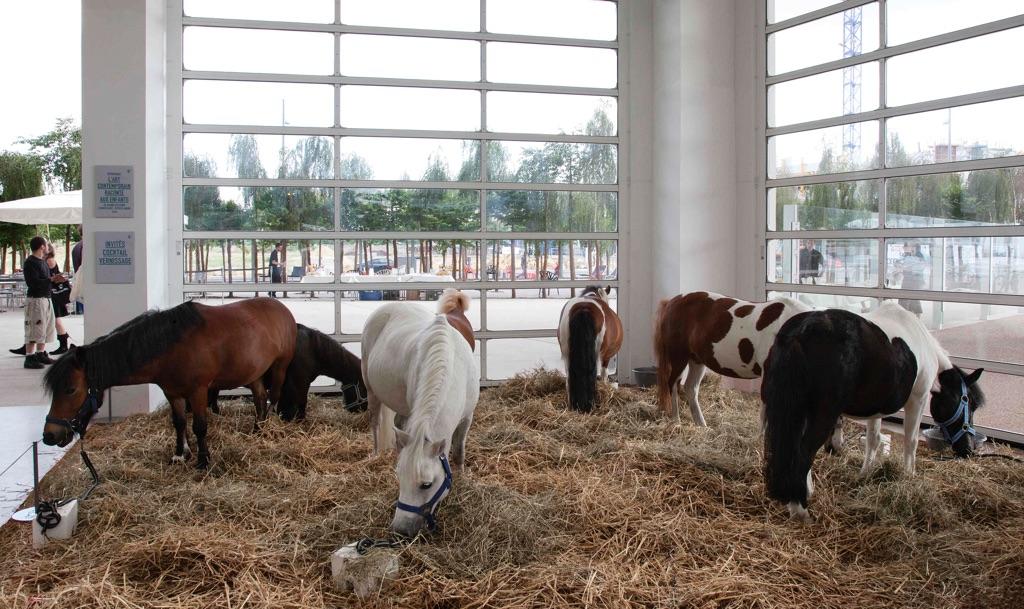 Gianni Colosimo, I cavalli di Jannis. Installation view at Centre Pompidou, Metz 2011. Photo Claudio Abate