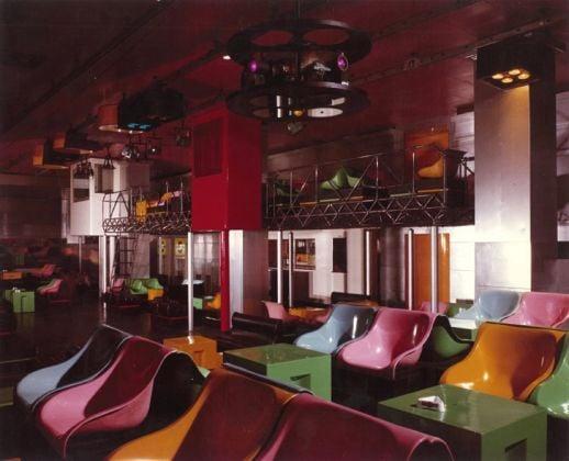 Il soppalco e le cabine per le proiezioni del Piper di Torino. Photo Irisarri @ Superbudda