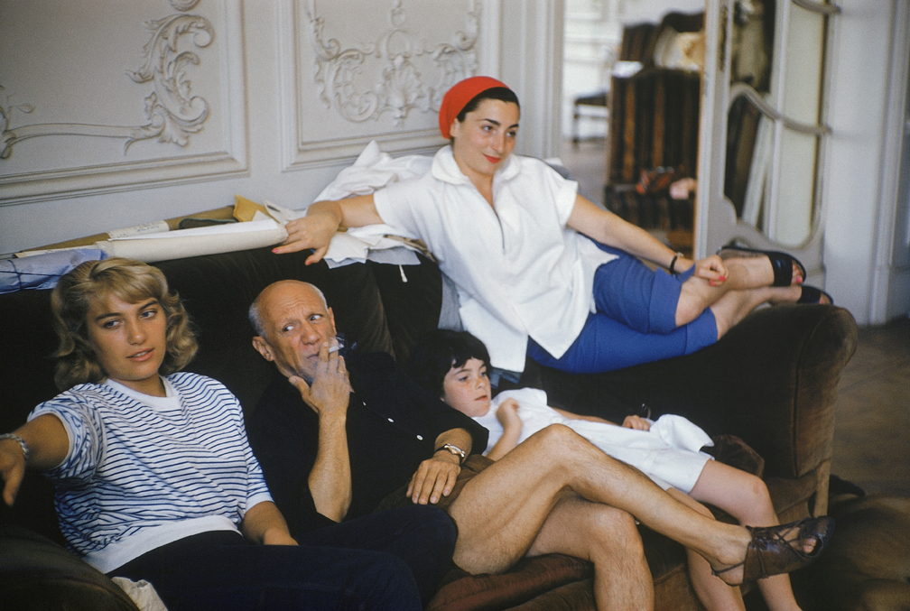 Pablo Picasso, Maya, Jacqueline and her daughter Catherine, Villa La Californie, Cannes, 1955 © Succession Picasso 2017 PICASSO ADMINISTRATION 8 rue Volney 75002 Paris