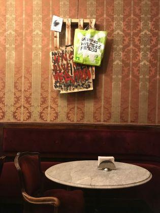 In ostaggio di loro stessi , Gianni Colosimo, Caffè Fiorio, Torino, photo Claudia Giraud