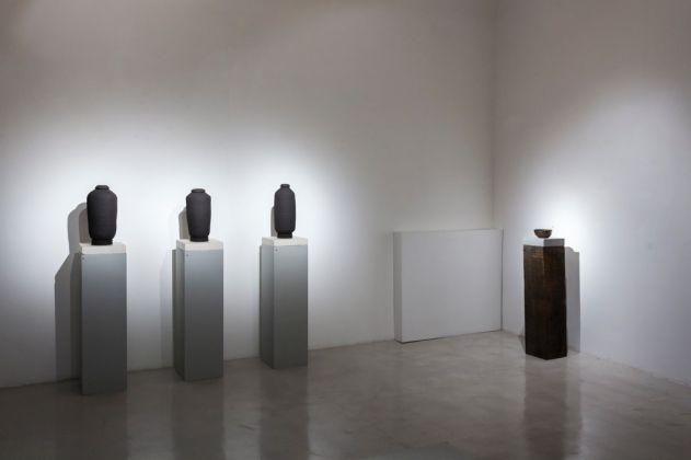 Isobel Church. Many Moons. Exhibition view at Montoro12 Contemporary Art, Roma 2017. Photo Yamina Tavani