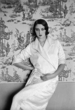 Jacques Henri Lartigue, Renée, Juan les Pins, 1931 © Ministère de la Culture–France, AAJHL. Courtesy of The CLAIR Gallery