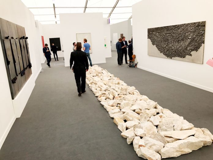 Kounellis Penone e Long da Cardi, Frieze New York
