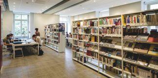 La biblioteca del Polo del '900 di Torino