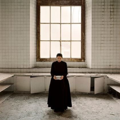 Marina Abramović, The Kitchen V, Carrying the Milk, from the series The Kitchen, Homage to Saint Therese. Video installation, color 2009 ©Marina Abramović