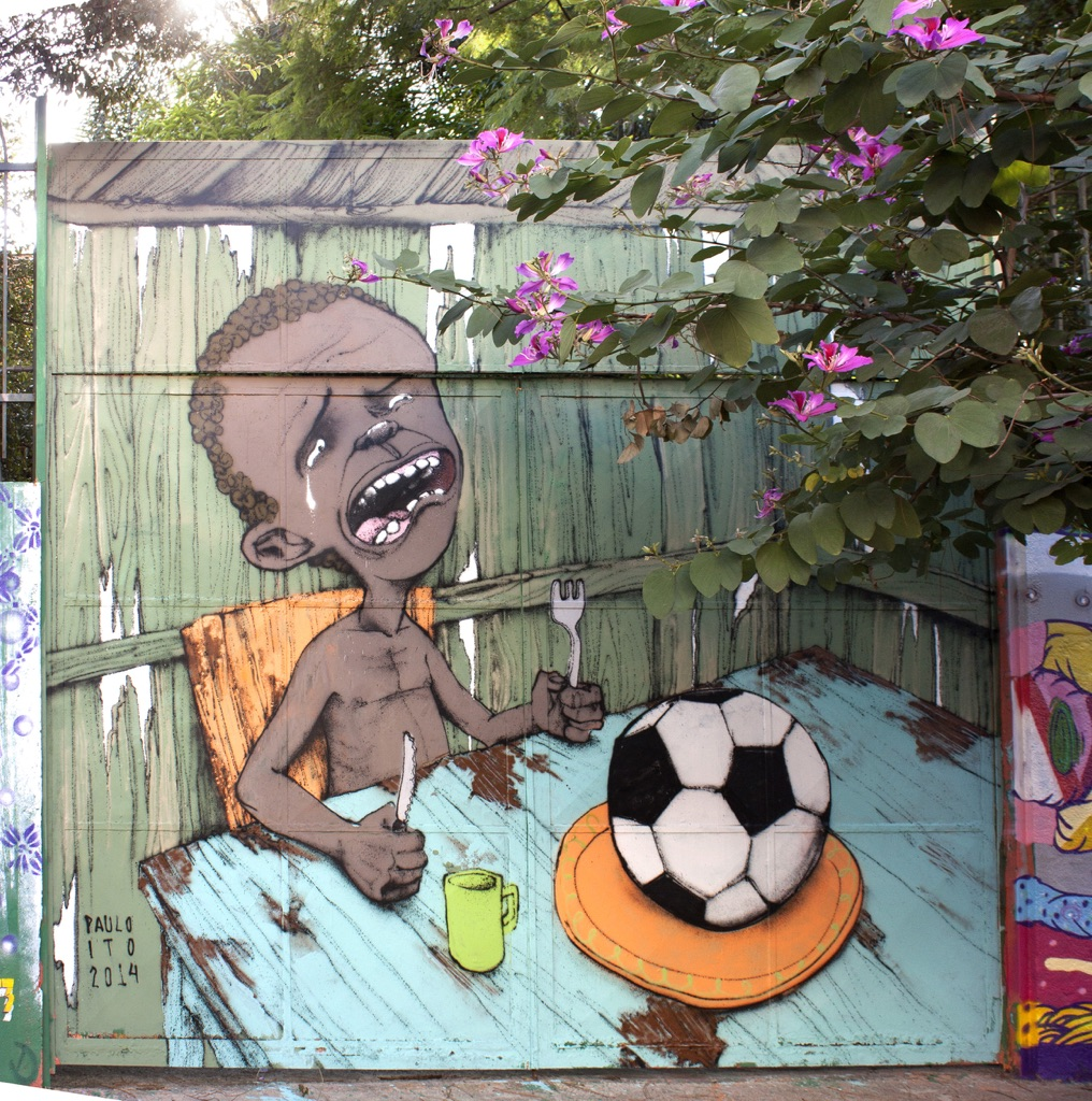 Paulo Ito, Starving boy with football, 2014