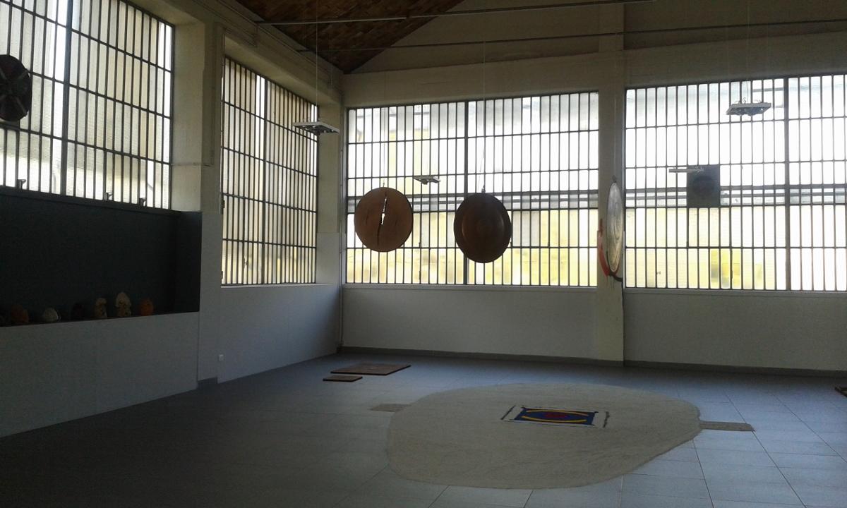 Tommaso Tosco In Between, veduta d'installazione, Hangar Sbit In