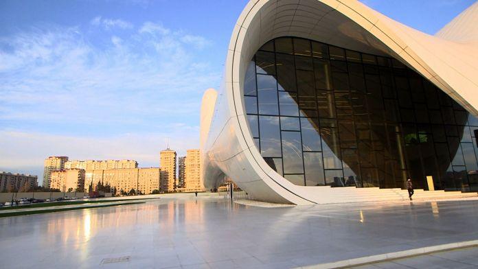 Zaha Hadid An architect A Masterpiece Carine Roy