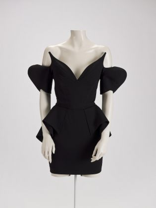 Dress by Thierry Mugler, 1981. Courtesy Indianapolis Museum of Art/Lucille Stewart Endowed Art Fund. © Thierry Mugler, 2017