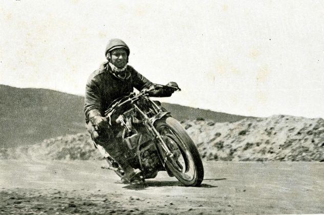 1926, 7° Targa Florio, De Simone costretto a ritirarsi al 3° giro per una caduta