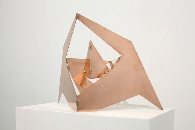 Bruno Munari, Scultura da viaggio, 1979-1986, rame, cm 49 x 70 x 28