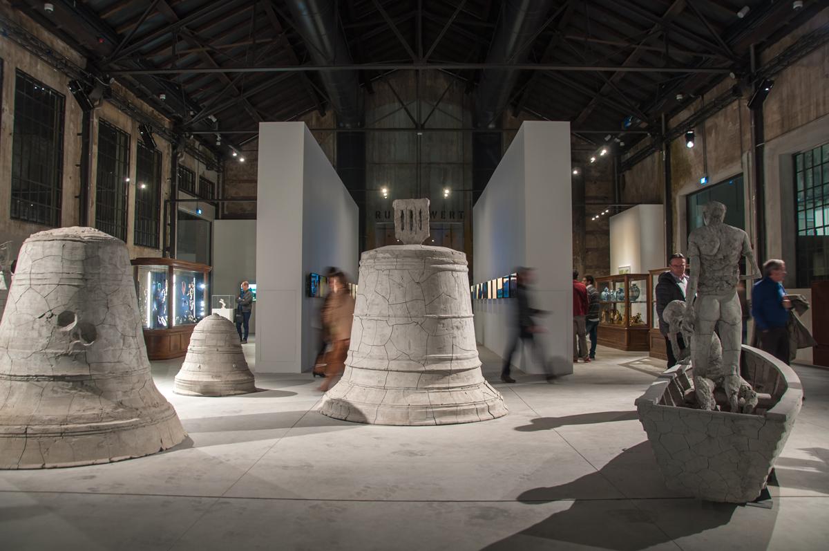 Come una falena alla fiamma. Damien Hirst. Exhibition view at OGR, Torino 2017. Photo Irene Fanizza