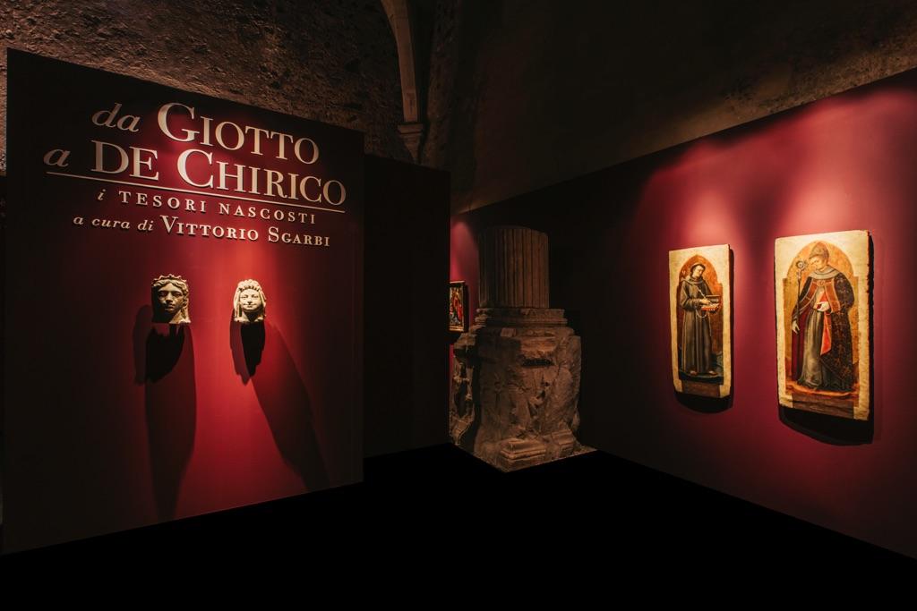 Da Giotto a de Chirico. I tesori nascosti. Installation view at Castello Ursino, Catania 2017