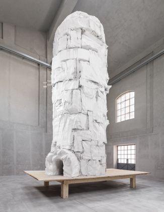 Gelitin, Iglu, 2017. Installation view at Fondazione Prada, Milano 2017. Photo Delfino Sisto Legnani e Marco Cappelletti. Courtesy Fondazione Prada