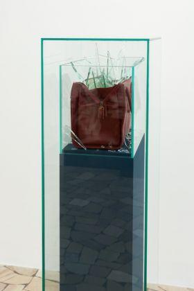 Jana Müller. On rough diamonds. Exhibition view at Galleria Paolo Maria Deanesi, Trento 2017