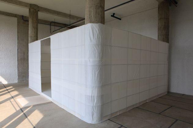 Lee Ufan, Relatum - Room, 2017. Photo Jean Philippe Simard