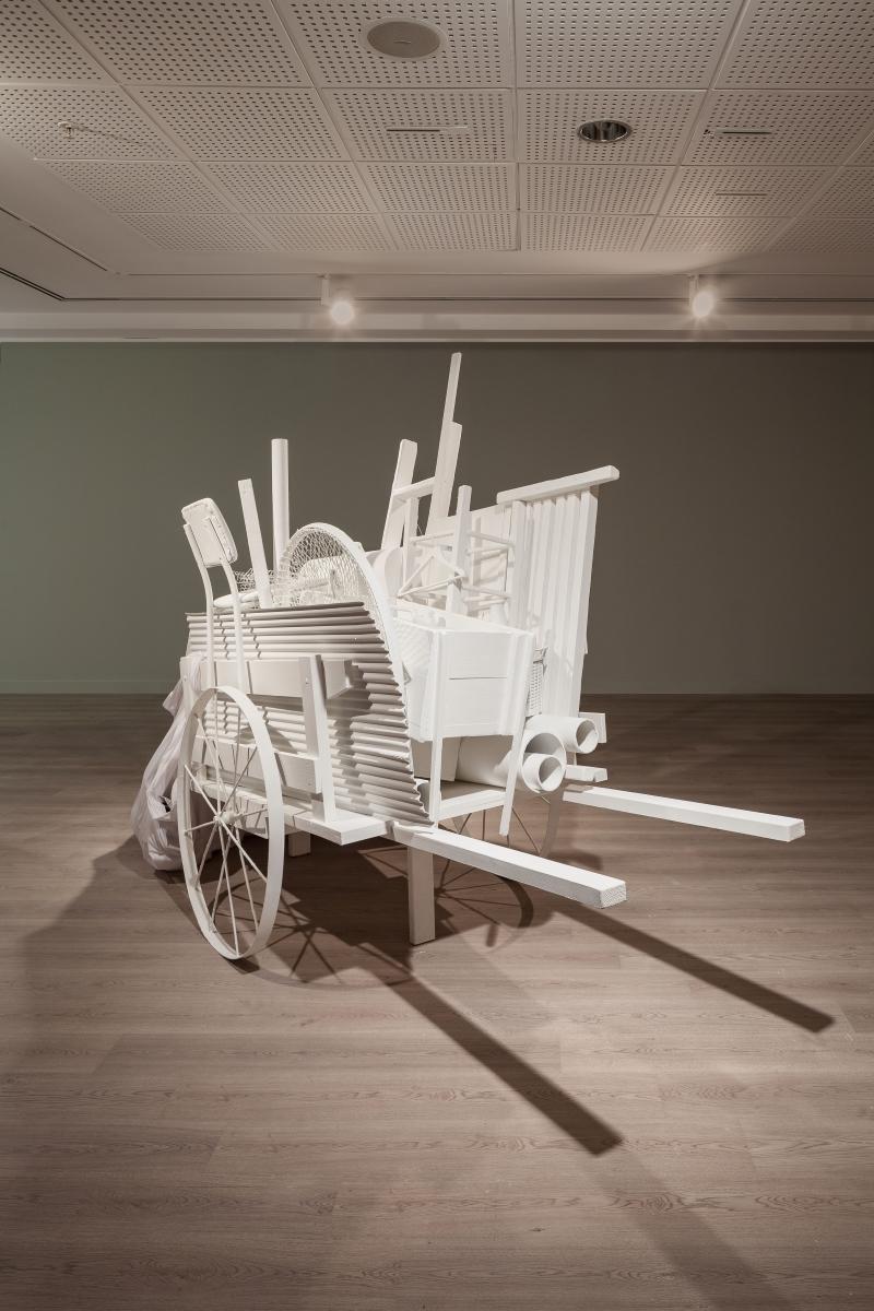 Liliana Maresca, Recolecta, 1990/2017, White cart from Recolecta installation at Centro Cultural Recoleta, courtesy of Archivo Liliana Maresca, photo Sahir Uğur Eren, 15th Istanbul Biennial