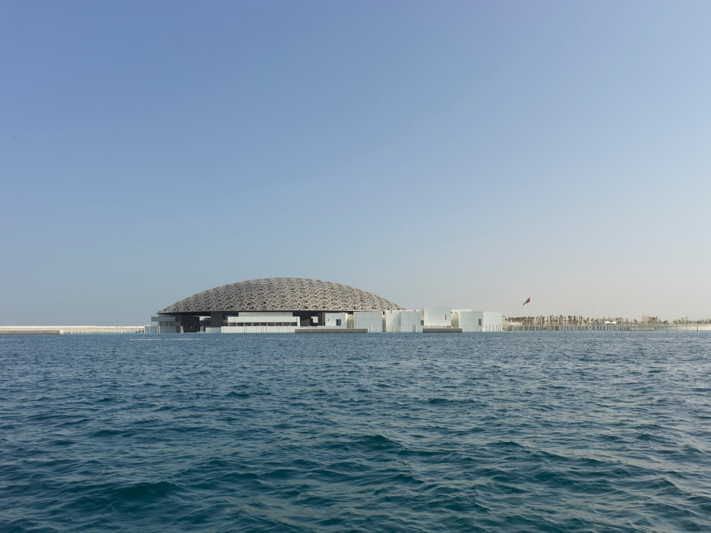 Louvre Abu Dhabi Exterior view © Louvre Abu Dhabi – Photography Roland Halbe