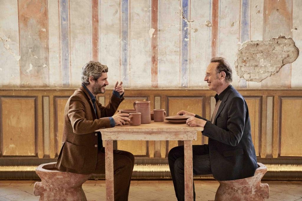 Luca Cipelletti e Gianantonio Locatelli dialogano all'interno del Museo della Merda. Photo © Henrik Blomqvist