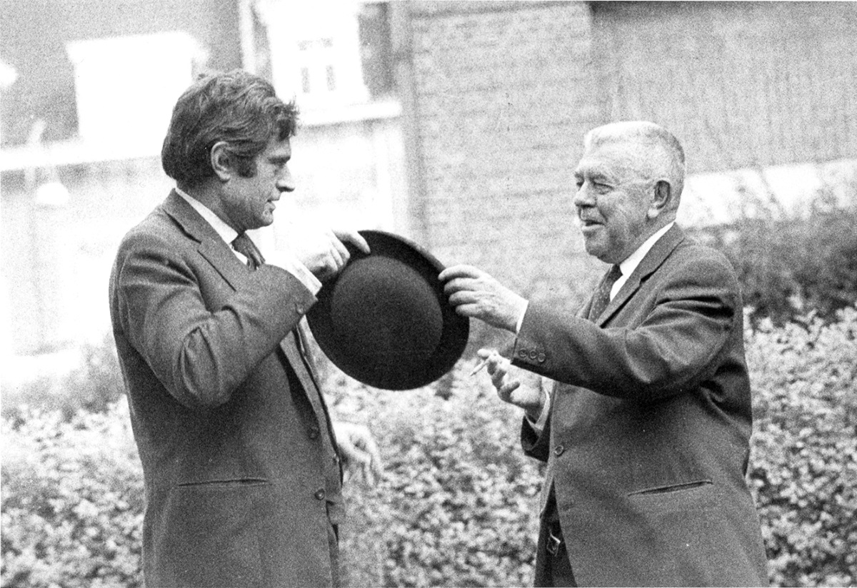 Marcel Broodthaers et René Magritte, 1967, collezione privata © The Estate of Marcel Broodthaers, Belgium / ©Photo: Maria Gilissen