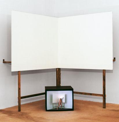 Monica Bonvicini, 2017, Pera Museum, 15th Istanbul Biennial, courtesy of the artist e Mitchell-Innes & Nash, New York