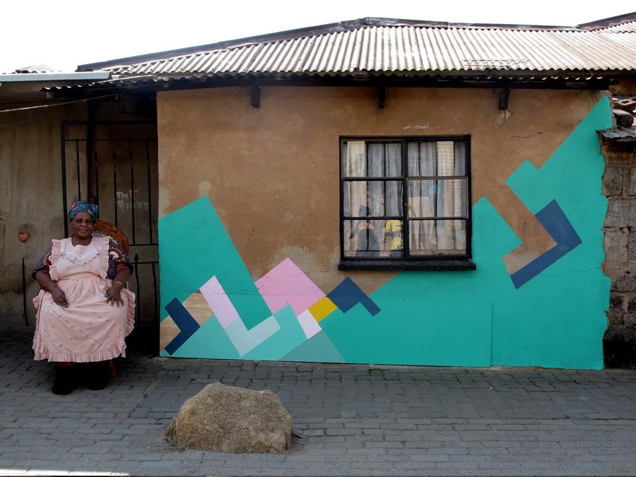 Nuria Mora, un frammento del suo progetto a Johannesbourg, tra il museo e la città