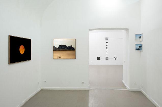 Silently close are some particles. Installation view at z2o Sara Zanin Gallery, Roma 2017. Photo Giorgio Benni