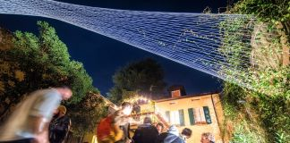 Twisting Connections. Light Art Residency con Alessandro Lupi. Photo Andrea Butti