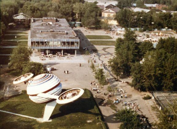 View to Vremena Goda building from the panoramic wheel 1971 72 (source httpspastvu.com)