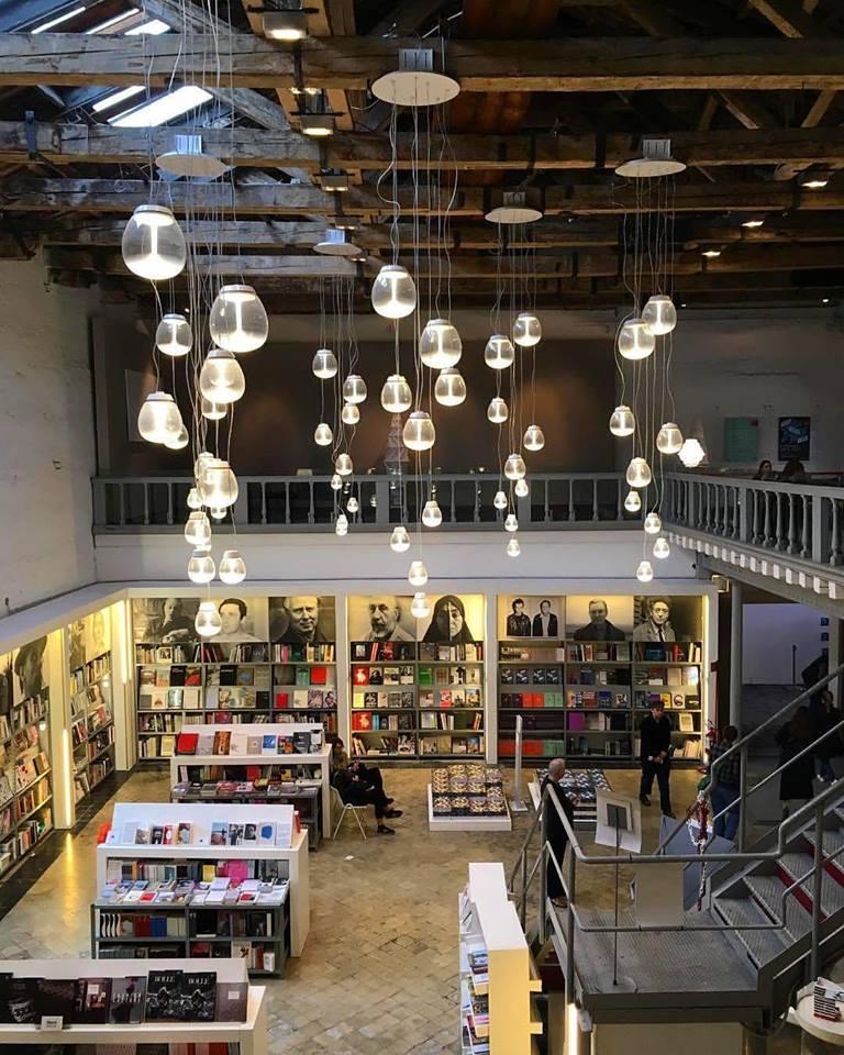 Bookshop Electa alla Biennale di Venezia. © Raffaele Dessì