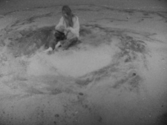 Laura Grisi, The Measuring of Time, 1969, video b n digitale da film in 16mm b w digital video from 16mm film, 5'45'