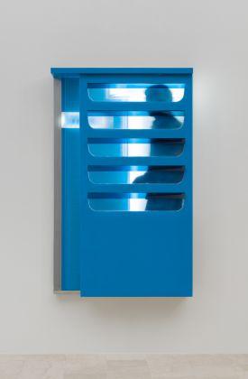 Laura.Grisi, Subway, 1967, neon, plexiglass, aluminio, pannelli scorrevoli:neon, plexiglass, aluminium, sliding panel, cm.163x103x22 (ph.C.Favero)
