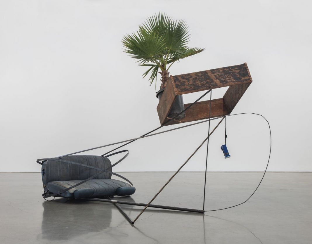 Abraham Cruzvillegas, Autoconcanción V, 2016. Courtesy Regen Projects, Los Angeles