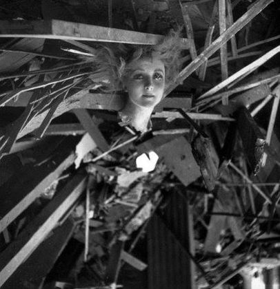 Cecil Beaton, A wax head among the ruins of Madame Tussaud's during the London Blitz of 1940