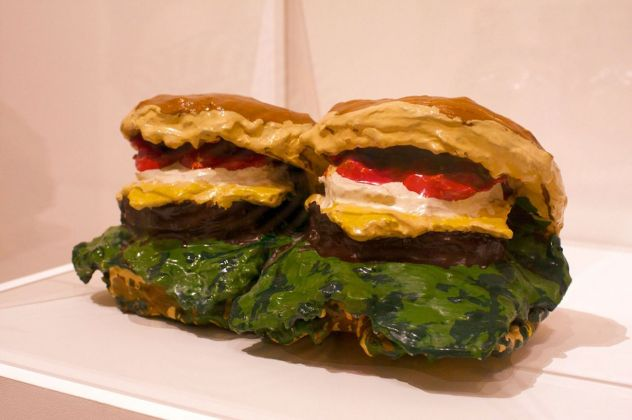 Claes Oldenburg, Two Cheeseburgers, with Everything (Dual Hamburgers), 1962. MoMA, New York