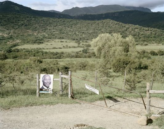 David Goldblatt, In the Katkat Valley, near Fort Beaufort, Eastern Cape, 23 February 2006, 2006 © l'artista, courtesy Fondazione Cassa di Risparmio di Modena