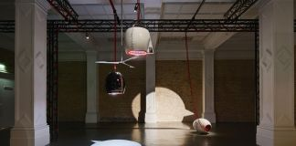 Emma Hart. Mamma Mia! Exhibition view at Whitechapel Gallery, Londra. Photo Thierry Bal