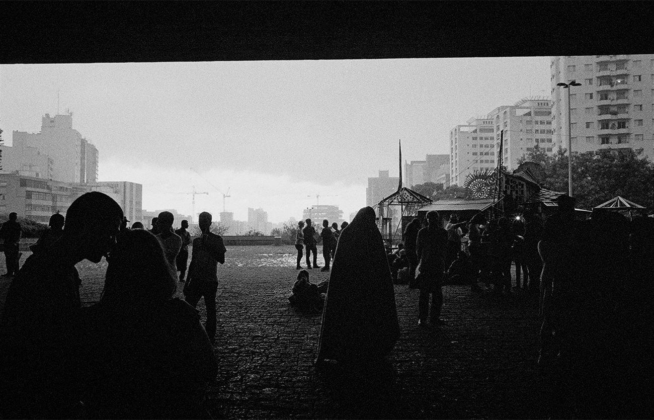 Fora de Alcance, IMS. São Paulo - Vão Livre © Mauro Restiffe