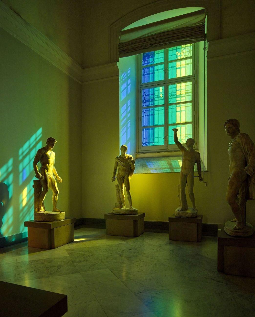 Francesco Candeloro, Nella Luce del Tempo. Installation view at MANN – Museo Archeologico Nazionale, Napoli 2017. Photo Lorenzo Ceretta