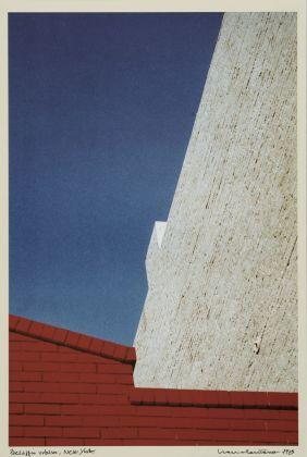 Franco Fontana, Paesaggio urbano, New York, 1979 © l'artista, courtesy Fondazione Cassa di Risparmio di Modena