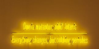 Joseph Kosuth. Maxima Proposito (Ovidio). Galleria Vistamare, Pescara 2017. Courtesy the artist and Vistamare. Photo Filippo Armellin