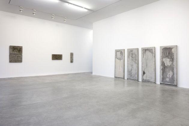 Luca Monterastelli. To Build a Fire. Exhibition view at Galleria Lia Rumma, Milano 2017. Photo Agostino Osio