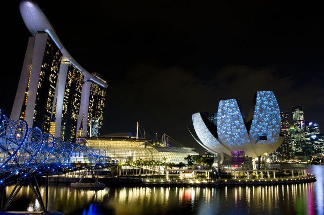 Ove Arup + COX Architecture, The Helix Bridge, Singapore