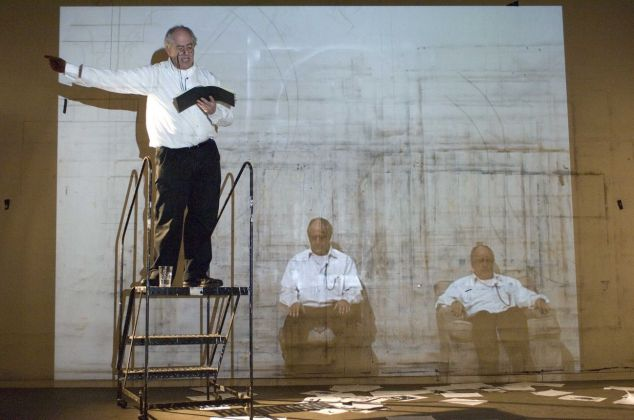 William Kentridge, I am not me, the horse is not mine, 2008. Fotogramma dalla performance. Courtesy l'artista