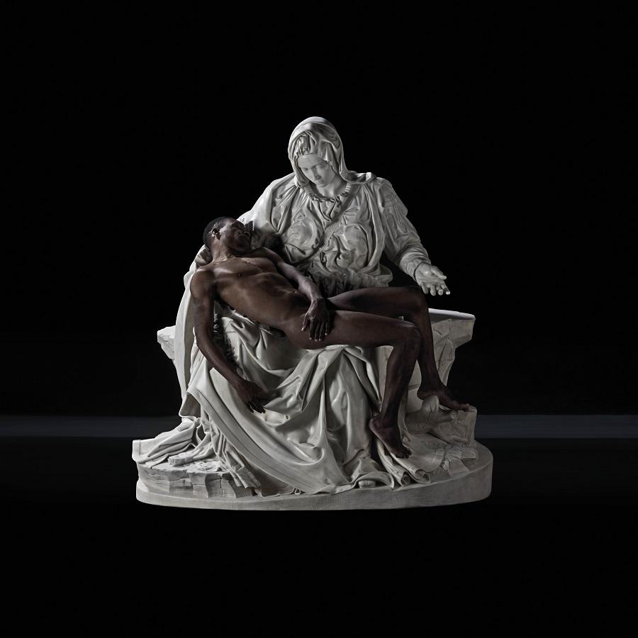 Fabio Viale, Lucky Hei, 2017, Lucky Ehi (Born in Nigeria in 1995) e marmo bianco | and white marble, cm 174,2x165,7x89,2