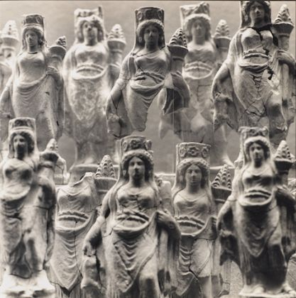 Mimmo Jodice, Statuette di Demetra
