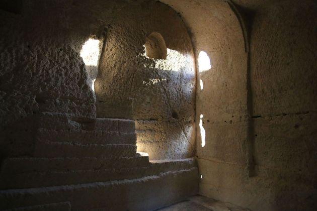 Interno della chiesa rupestre di Sant'Andrea; foto di Saverio Campanella
