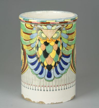 Achille Calzi, Vaso biansato con gufi, palme fiorite e motivi geometrici, 1918-19, maiolica, collezione MIC Faenza