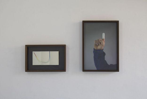 Antonio Della Guardia, in loco parentis, 2017, taccuino e stampa su filo, stampa su carta cotonata, 15 x 28 cm, 48 x 34 cm