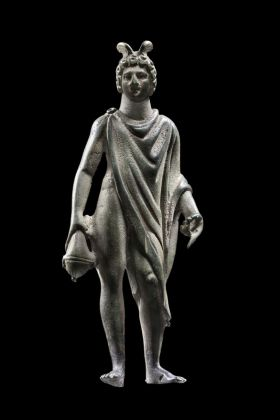 Bronzetto di divinità romane protettrici della casa o dei crocicchi, dal reggiano. Photo Carlo Vannini